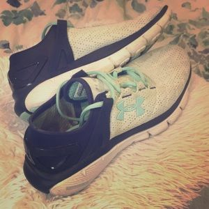 Under Amour CHARGED tennis shoes